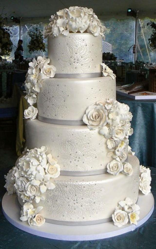 Cake Winter Wedding Cakes We Love 2501841 Weddbook