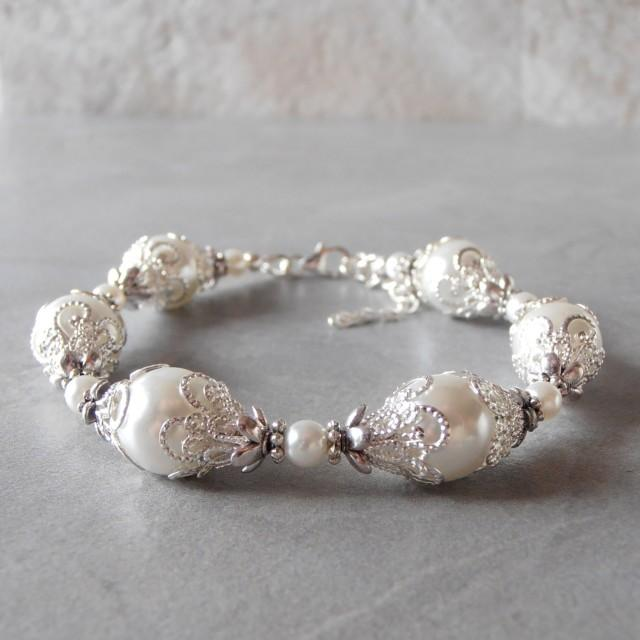 White Pearl Bracelet White Bridal Jewelry Beaded Bracelet