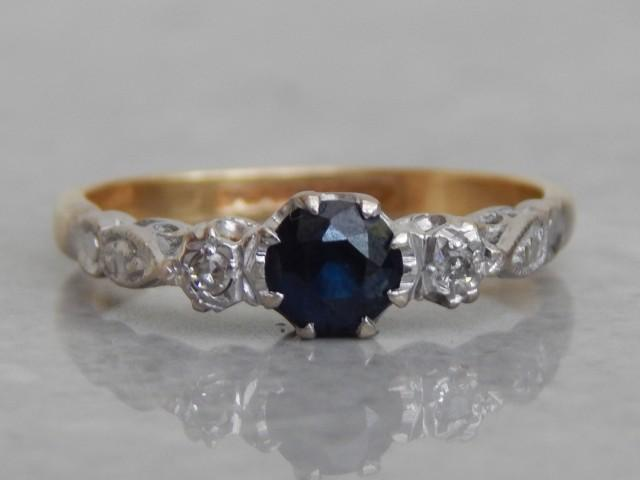 Vintage Engagement Ring Diamond And Sapphire 3 Stone Ring In 18ct Gold And Platinum Vintage 1940s 2509816 Weddbook