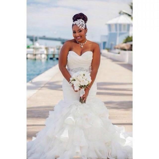 Stunning Mermaid Organza Plus Size Wedding Dresses Ruffles Pleated
