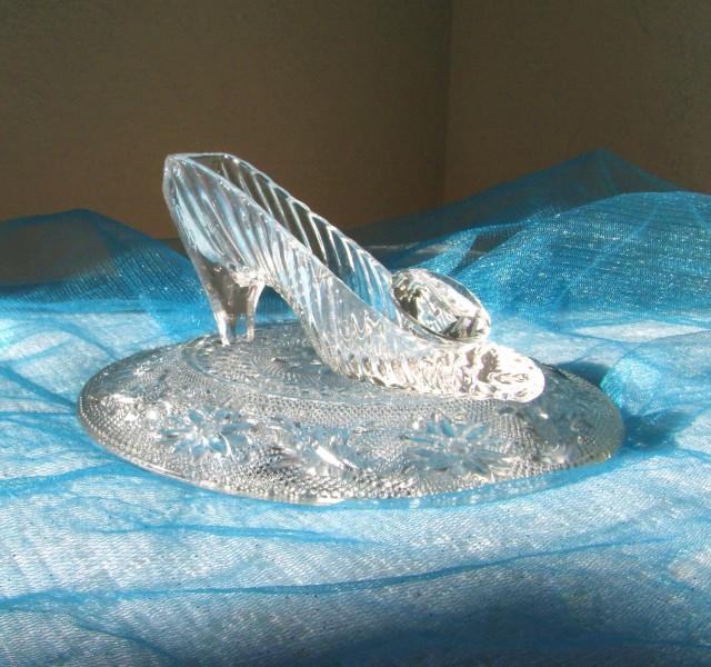 Cinderella glass slipper with oleg cassini crystal