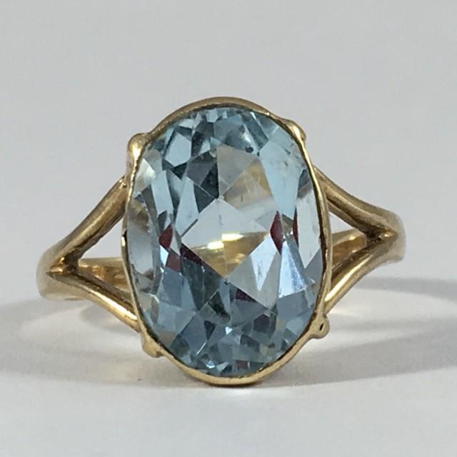 Vintage Blue Topaz Ring 14k Yellow Gold Setting Sky Blue Topaz
