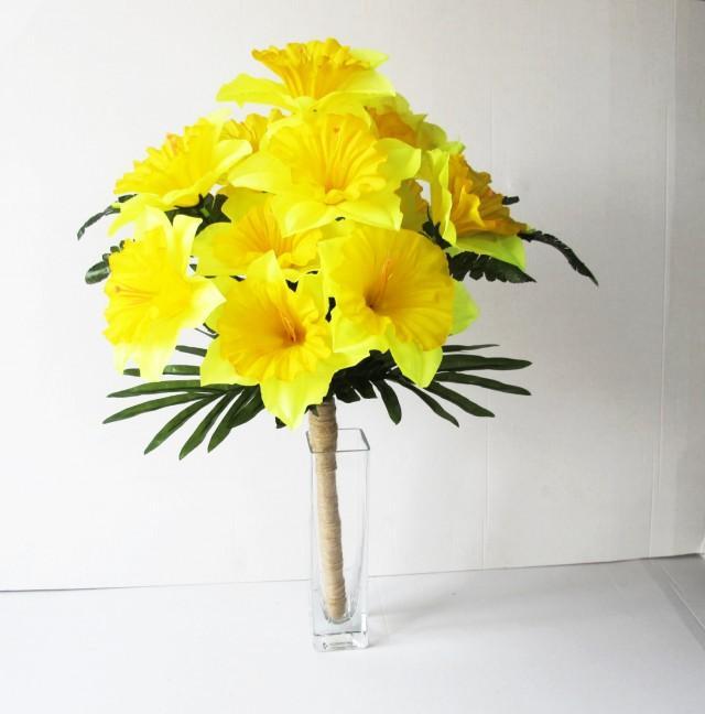 Yellow silk daffodils flowers bouquet narcissus green bouquets yellow silk daffodils flowers bouquet narcissus green bouquets wedding bouquets artificial flowers country rustic spring flowers jute 2534122 weddbook mightylinksfo