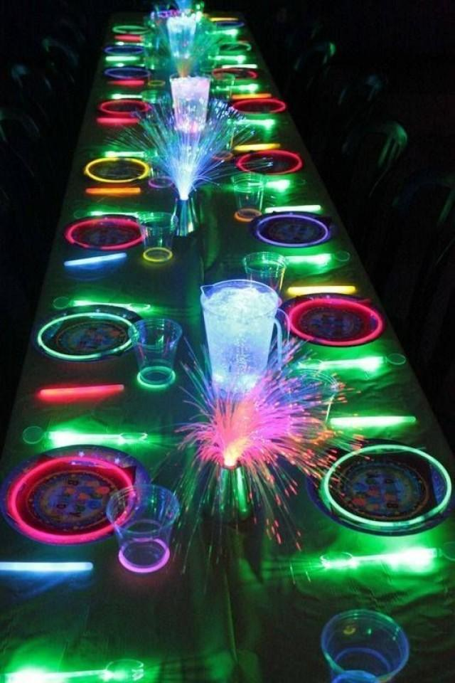 Glow In The Dark Neon Party Ideas Themes For Teenagers 2539916