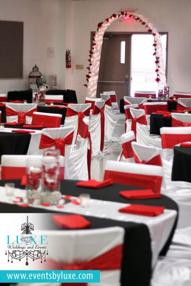 red  black and white wedding ceremony and backdrop decor