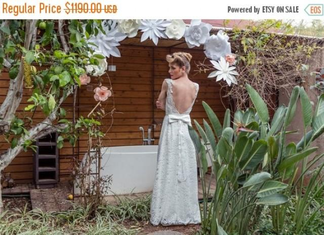 Low Back Lace Wedding Gown: Christmas In July Sale Low Back Wedding Dress, Low Back