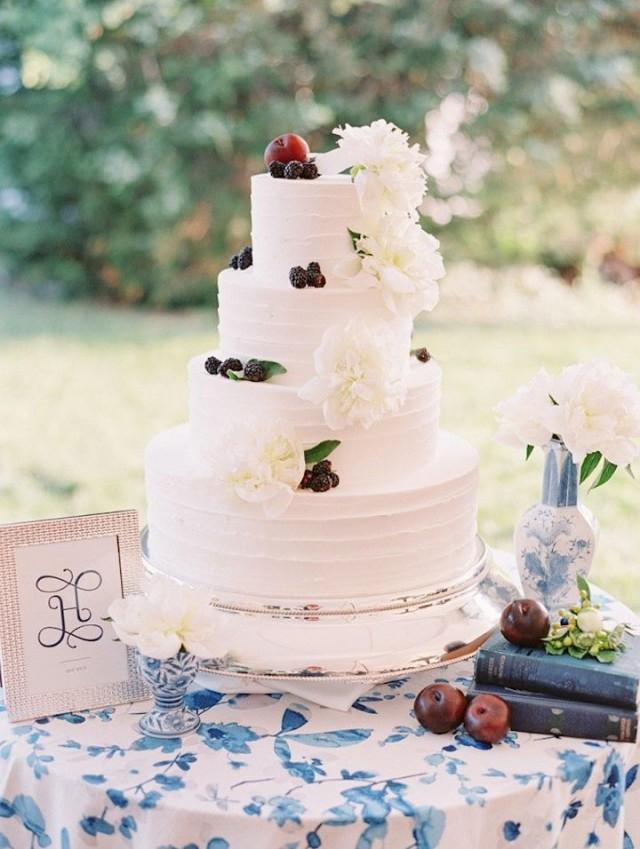 cake stunning white and blue maryland wedding 2548849 weddbook. Black Bedroom Furniture Sets. Home Design Ideas
