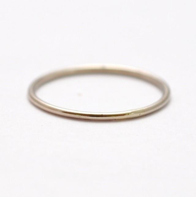 f194822b86d87 Mila Kunis Platinum Wedding Band: Thin PT950 Ring #2558688 - Weddbook
