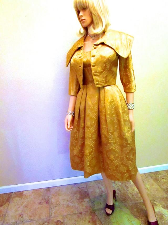 f64c0aa10671 1950 s Vintage Couture Gold Dress   Jacket. Lame Lurex 2 Piece Suit. New  Look Cocktail Party. Mid Century Mad Men Betty Wedding Guest. XXS  2573547  - ...