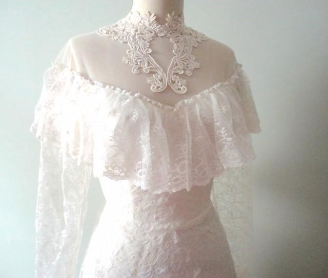 SALE Vintage Wedding Dress Chantilly Lace Classic Retro Bridal Gown 2583734