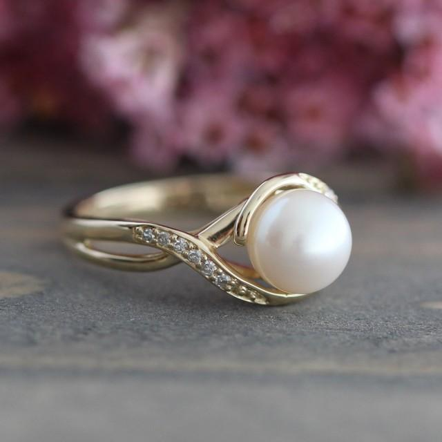 Rose or Yellow or White Gold Ring Tiny Pearl Ring June Birthstone Ring SOLID Gold Pearl Ring 14k Gold Dainty Pearl Ring
