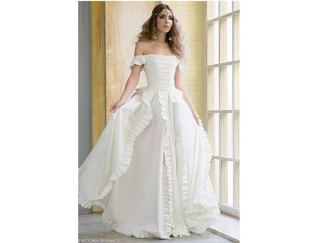 Leila cotton wedding dress beach wedding gown with ruffles for Alternative plus size wedding dresses