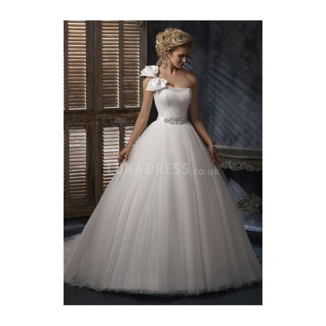 Flowing Tulle One Shoulder Ball Gown Spring & Fall Court Train ...