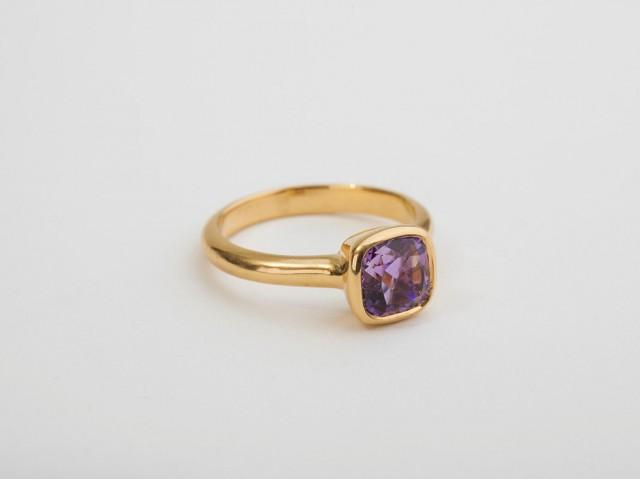 Amethyst Engagement Gold Ring 18 Kt Yellow Solid Gold