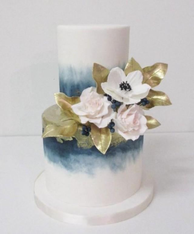 Kuchen Blue Tinted Ombre White Wedding Cake 2666537 Weddbook