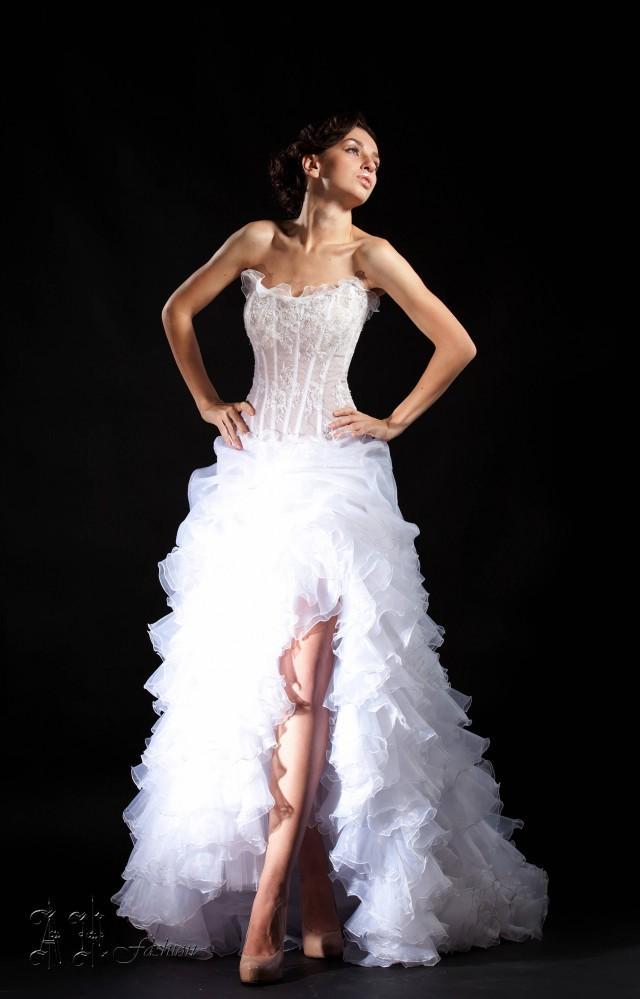 Slit a line wedding dress ruffle bridal dress strapless for Strapless corset bra for wedding dress