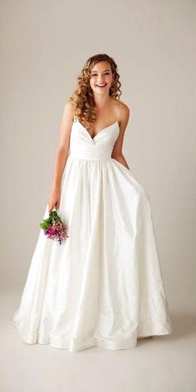 Angelina Jolie Wedding Dress And It S Twins 2742215 Weddbook