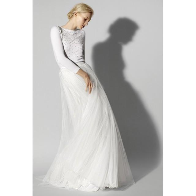 ef45f5b18e3c Carolina Herrera Spring/Summer 2018 Look 6 Ivory Vogue Floor-Length Bateau  Aline Long Sleeves Tulle Beading Dress For Bride - Top Design Dress Online  Shop ...