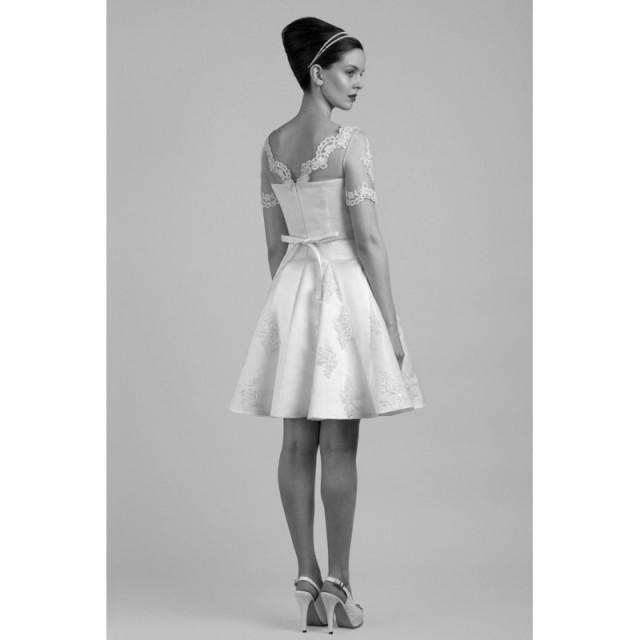 Tobi Hannah Carter Short Wedding Dress Designer Wedding Dresses 2801441 Weddbook