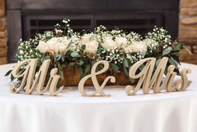 Bride and Groom Wedding Signs for Sweetheart Table Decor Wooden Signs Sign Letters Freestanding Bridal Table