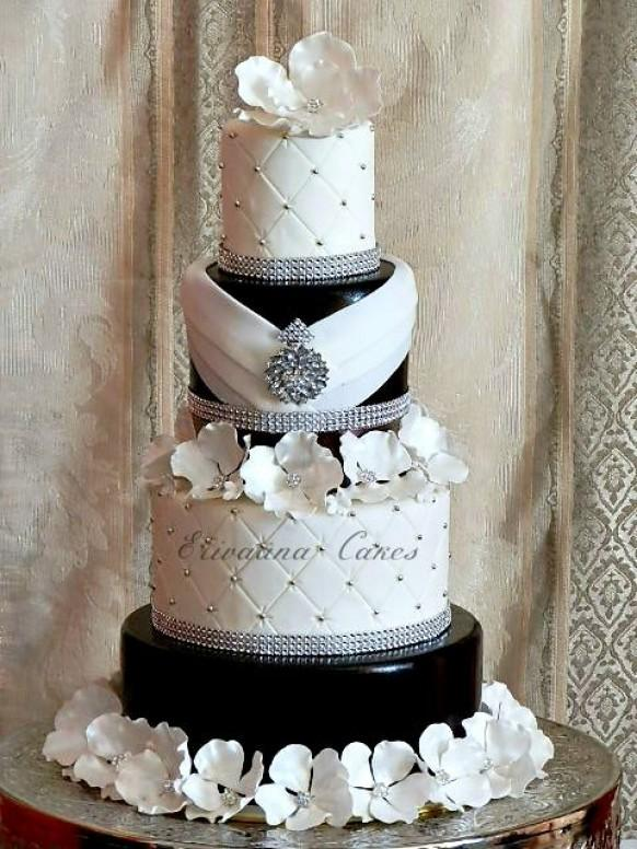 black and white wedding cake pictures wedding cakes 1982161 weddbook 11846