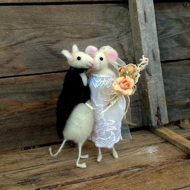 mice wedding cake toppers wedding cake topper mice decor groom and 17333