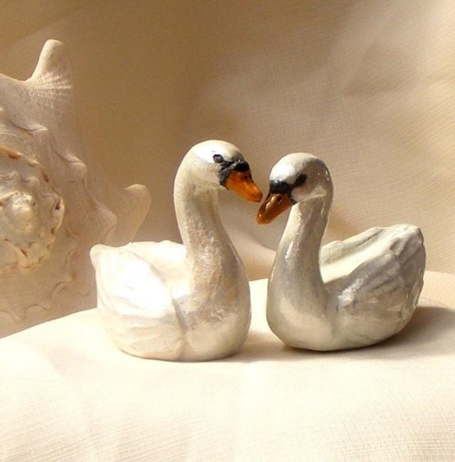 swan wedding cake swans wedding cake topper ceramic swans this is just an 20670