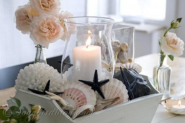 Nautical Table Decoration With Beach Finds Shells Sea Stars And Roses 2535538 Weddbook