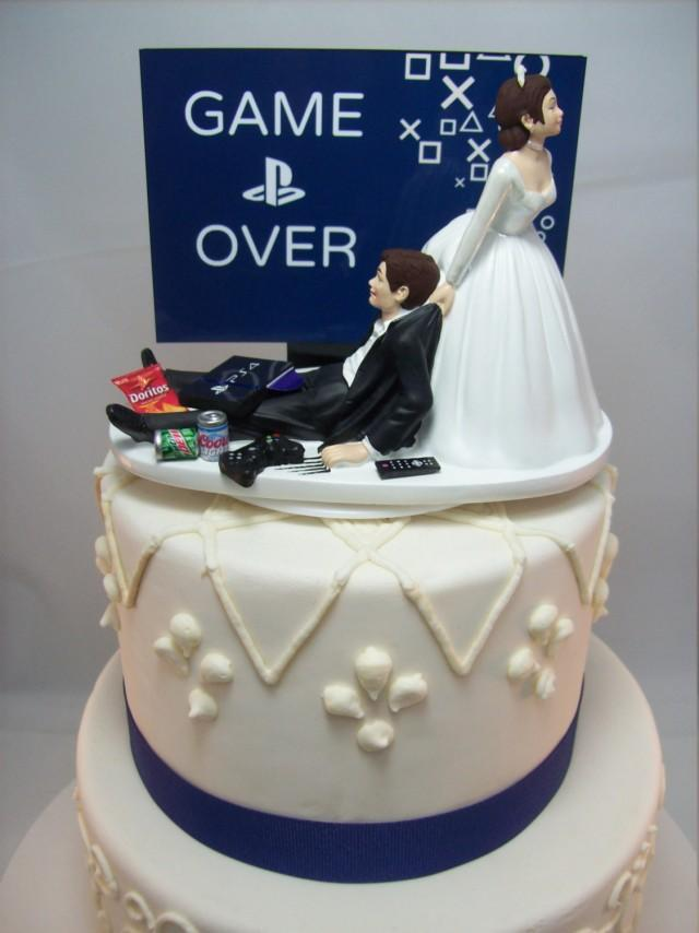 funny wedding cakes pictures playstation wedding cake topper 14582